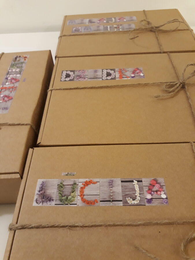 Grāmata dāvanu kastē